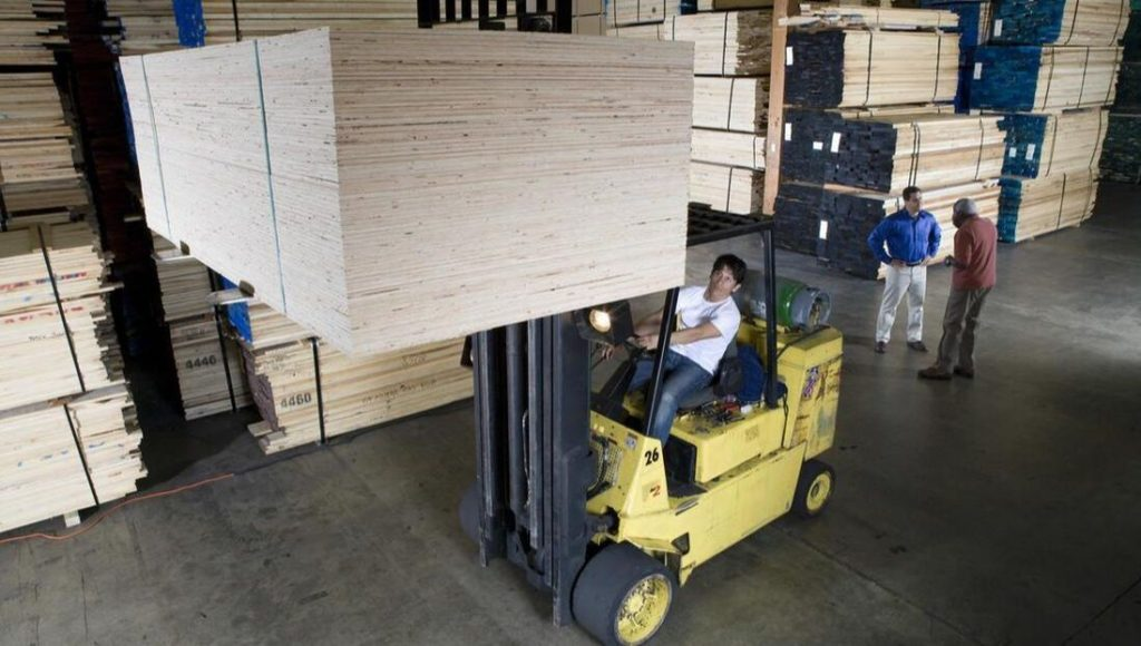pallet damage is possible while utilizing a forklift